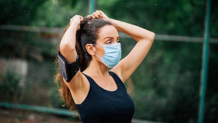 Pakai Masker Saat Berolahraga Justru Bahaya Loh!